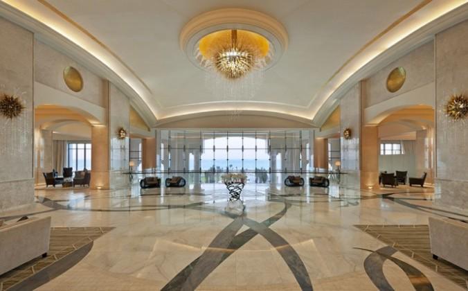 st-regis-sadiyat-lobby-690x429